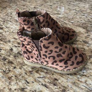 Gap velour leopard booties